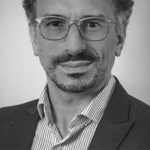 dr antonio de carvalho meilleur neurochirurgien du rachis cervical. specialiste du rachis parisjpg chirurgien orthopediste specialiste du rachis et du dos a l institut du rachis paris 5